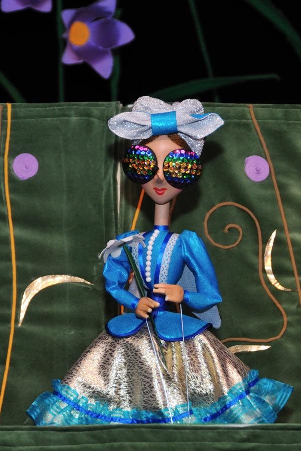 Муха цокотуха кукла на руку своими руками